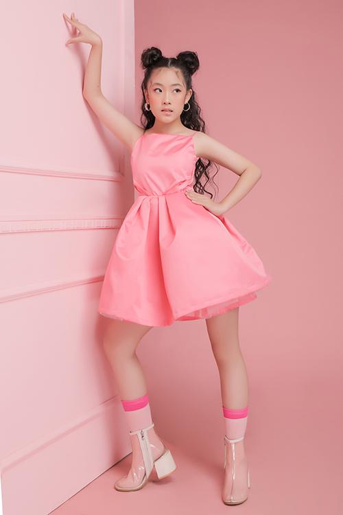 Trong những ngày đầu xuân 2020, nhà thiết kế Thanh Huỳnh mang tới bộ sưu tập mới dành cho các bé gái chưng diện trong dịp tất niên cuối năm và chuẩn bị đón xuân Canh Tý.