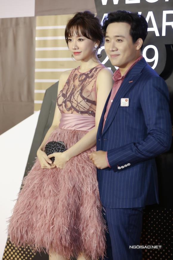 Vợ chồng Hari Won - Trấn Thành sánh đôi.