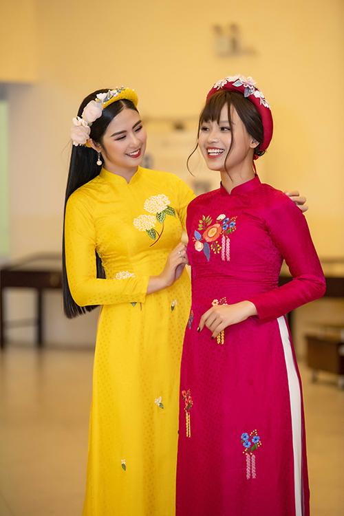 Tại sự kiện, Ngọc Hân giới thiệu bộ sưu tập áo dài cho người lớn và trẻ em mới nhất của mình. Cô mời nhiều em bé có hoàn cảnh khó khăn tham gia trình diễn. Nữ sinh mắc ung thư Thủy Tiên cũng tham dự.