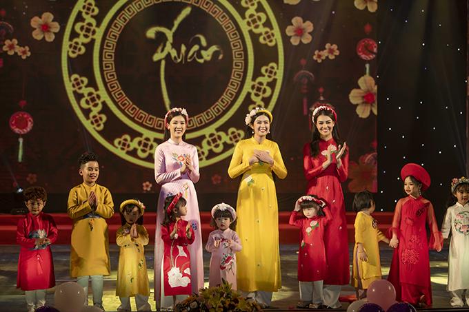 Hoa hậu Ngọc Hân rất cảm kích trước sự ủng hộ của khán giả dành cho bộ sưu tập của mình.