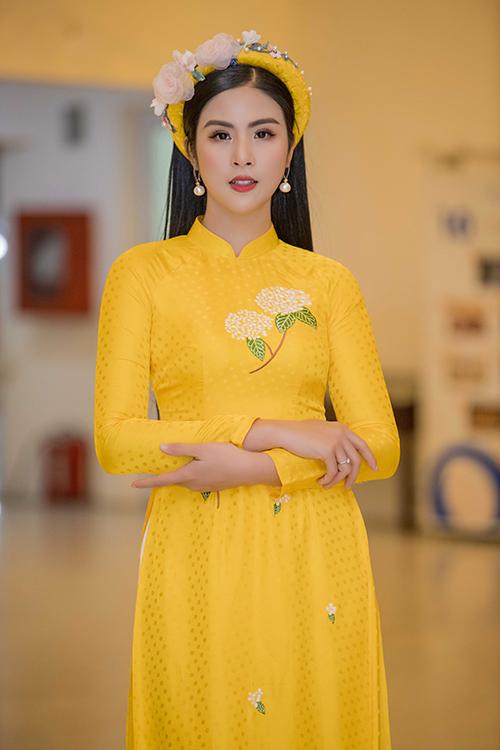 Ngọc Hân xuất hiện trong chương trình Tết cho trẻ em nghèo với tư cách nhà thiết kế và MC. Cô được nhiều người quan tâm đến chuyện hôn sự nhưng xin phép chưa tiết lộ gì và hứa sẽ thông báo rộng rãi khi thích hợp.