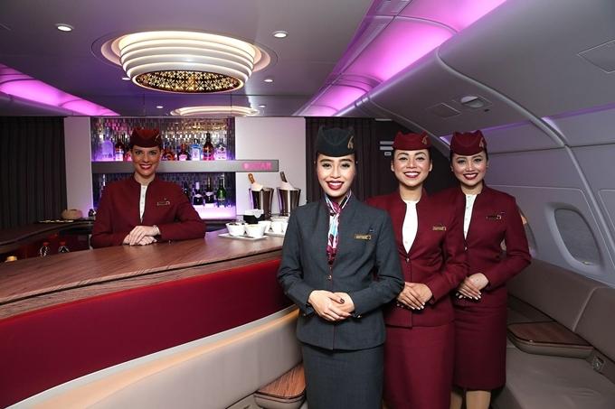 Năm 2019, Qatar Airlines dẫn đầu danh sách với giải thưởng Hãng hàng không tốt nhất thế giới và Hạng thương gia tốt nhất thế giới. Không chỉ sở hữu đội tàu bay hiện đại nhất,hành khách đi Qatar Airways quá cảnh tại Doha (thủ đô Qatar)còn được chọn tour tham quan thành phố miễn phí.