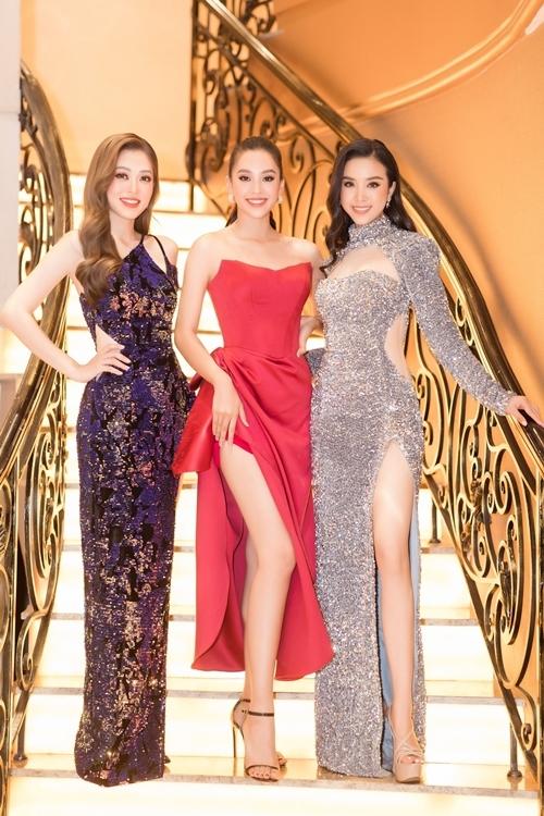 Hoa hậu Việt Nam 2018 Tiểu Vy (giữa), Á hậu 1 Phương Nga (trái), Á hậu 2 Thúy An nhan sắc ngày càng rực rữ sau gần hai năm đăng quang.