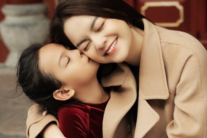 Sau ly hôn, Phạm Quỳnh Anh và chồng cũ Quang Huy vẫn dành tối đa thời gian cho hai con.