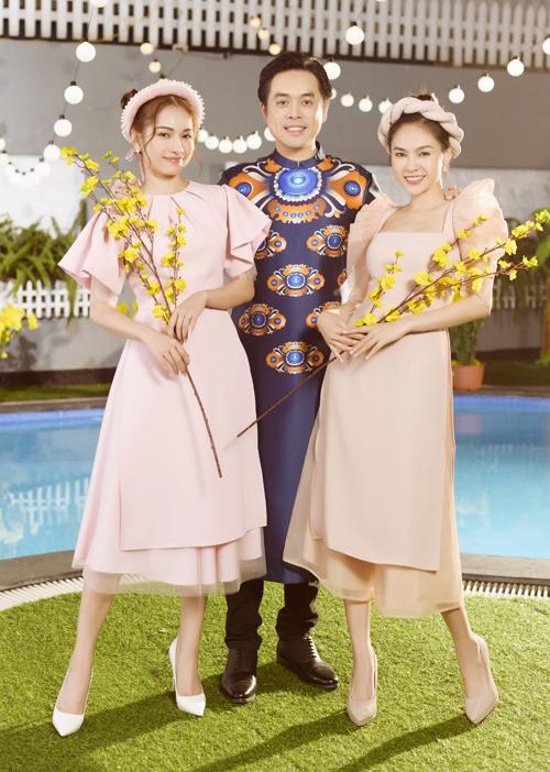 Dương Khắc Linh chụp ảnh cùng vợ 9X và chị vợ - ca sĩ Lưu Hiền Trinh (phải).
