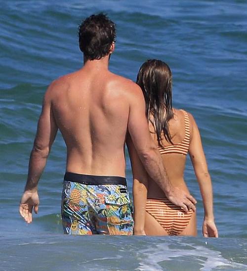 Khi không bận đóng phim, Liam dành hầu hết thời gian ở quê nhà Australia để gần gũi với gia đình và bạn gái mới.