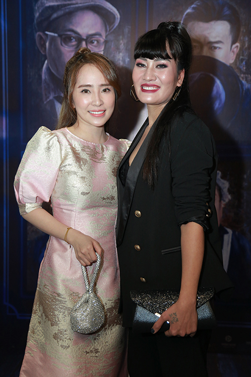 Quỳnh Nga vào vai Nhã còn Minh Cúc vào vai Xinh trong Về nhà đi con.