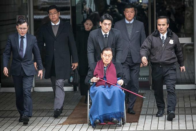 Ông Shin Kyuk-ho đến tham gia phiên xét xử tại một tòa án ở Seoul, Hàn Quốc năm 2017. Ảnh: Bloomberg.