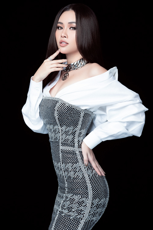 Photo: Mr AT. Stylist: Kye Nguyễn. Make-up: Soll Soll.