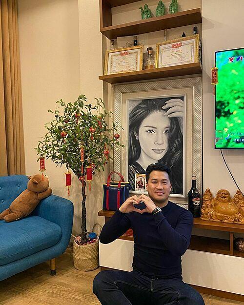 Phillip Nguyễn - em chồng Tăng Thanh Hà - đến nhà bạn gái Linh Rin chơi Tết.