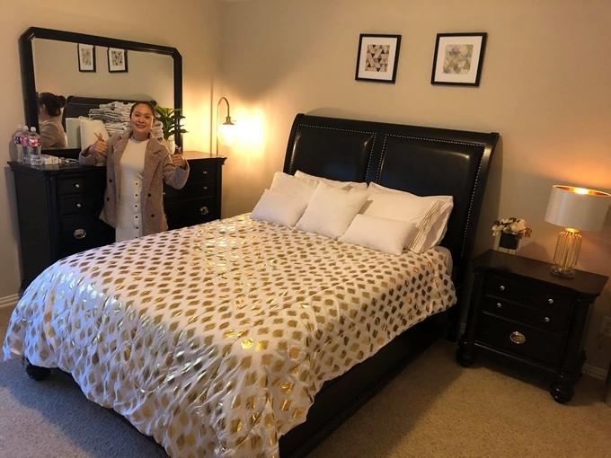 Thanh Thúy khoe căn phòng tại Mỹ của gia đình cô.