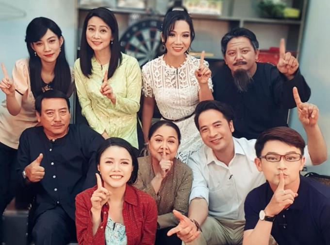 Sao Việt ăn Tết: người du xuân, người làm việc xuyên Tết - 2