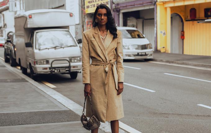 Từng mẫu trang phục được ra lò theo đúng tiêu chí giúp phái đẹp có nhiều lựa chọn trong việc mix đồ đi làm, tiệc tùng, dạo phố.