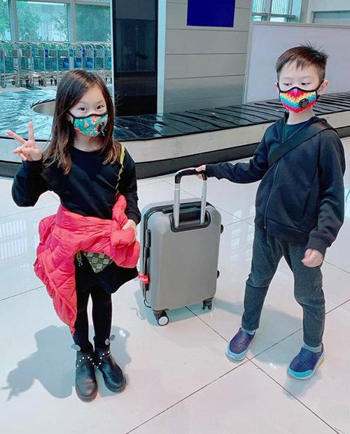 Cherry và anh trai Rio hào hứng với chuyến đi thăm vịnh Ninh Vân, Nha Trang.