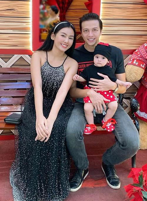 Vợ chồng Dương Hoàng Anh có con gái được gần một tuổi tên Bảo Ngọc.