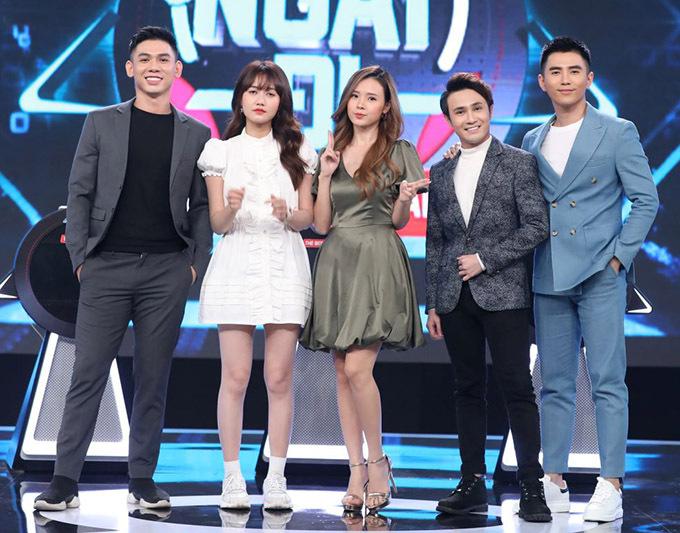Từ trái qua: các nghệ sĩ Đại Nhân, Nhung Gumiho, Midu, Huỳnh Lập và Will tham gia tập 1 Chọn ngay đi.