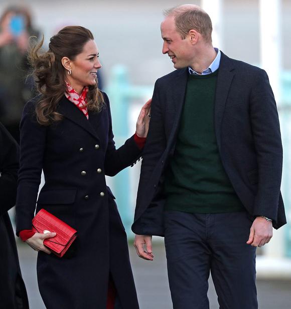 Vợ chồng Kate đến thăm xứ Wales chiều 4/2. Ảnh: PA.