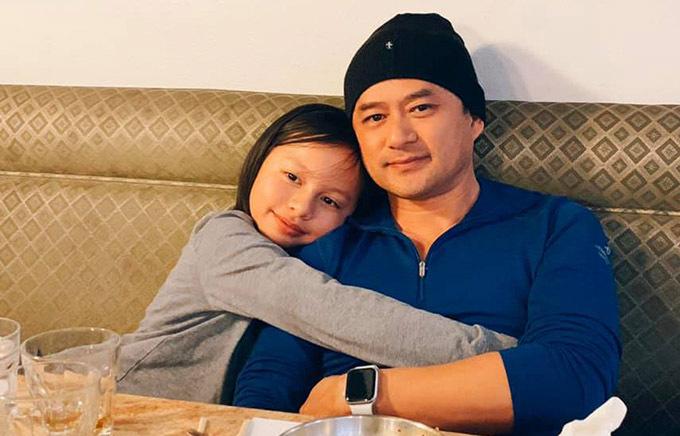 Con gái riêngcủa Ngọc Thuý tên Vân An luôn thân thiết và xem bố dượng như cha ruột. Bé rất thích được anh Trường đưa đi ăn, vui chơi ngoài trời.