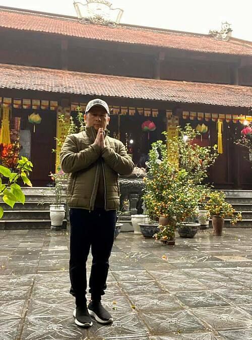 Bằng Kiều đi chùa và quan niệm: Đi lễ cả năm không bằng ngày rằm tháng Giêng