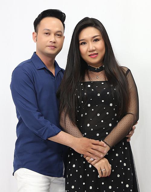 Cặp vợ chồng nghệ sĩ Bảo Lâm và Trương Anh Đào.