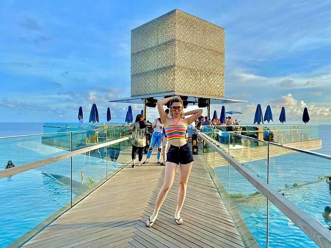 Thúy Ngân tận hưởng kỳ nghỉ dưỡng tại Bali(Indonesia).