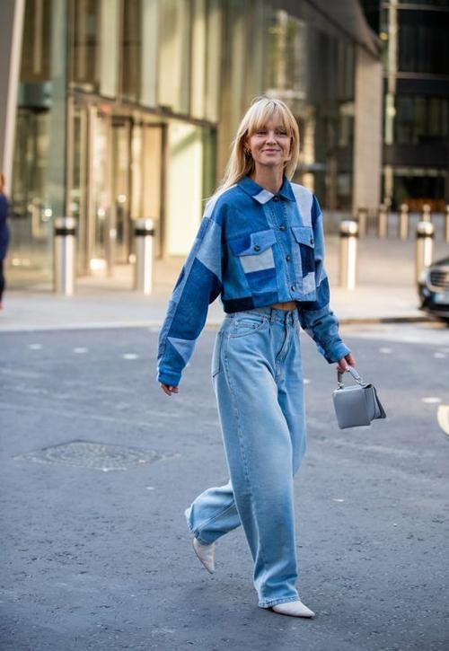 Trang phục jeans không những có tuổi thọ cao mà nó còn khó lỗi mốt. Chính vì thế quần áo jeans luôn là thứ không thể thiếu trong tủ đồ của phái đẹp.