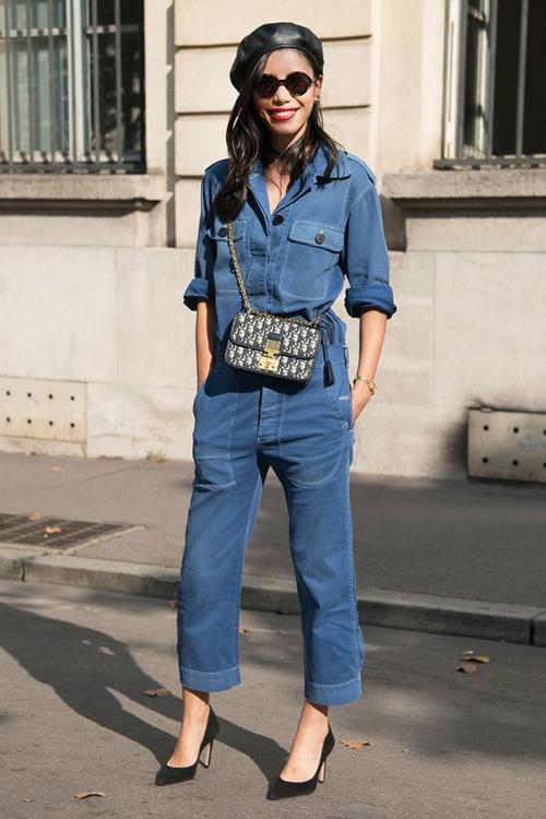 Jumpusit jeans ra đời để phục vụ các bạn gái yêu sự tươi mới và muốn mình luôn có được nét trẻ trung khi xuống phố.