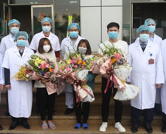 Ba bệnh nhân nhiễm nCoV ở Vĩnh Phúc xuất viện hôm qua.