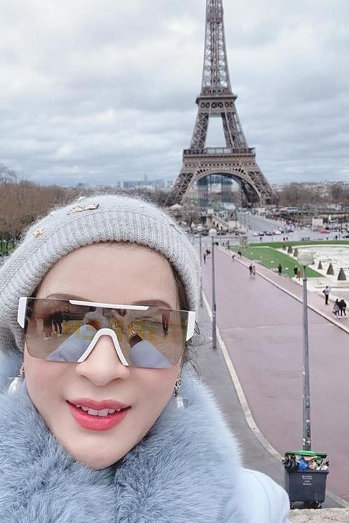 Dịp Tết này, Thanh Mai bận rộn với chuyến công tác tại Pháp, sau đó du xuân cùng con gái.