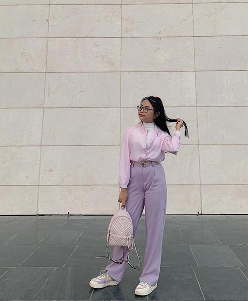 Diện áo sơ mi sắc màu cùng các kiểu quần suông lưng cao đúng với phong cách cổ điển được Phương Mỹ Chi yêu thích ở dịp xuân 2020.