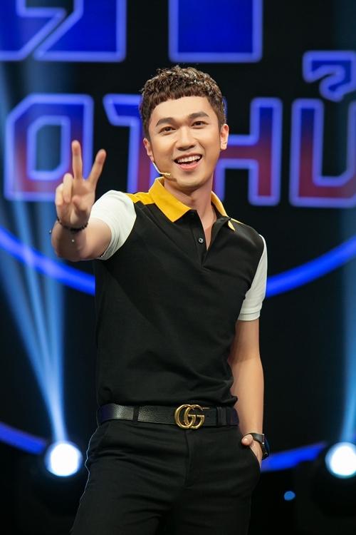MC Minh Xù dẫn dắt chương trình.