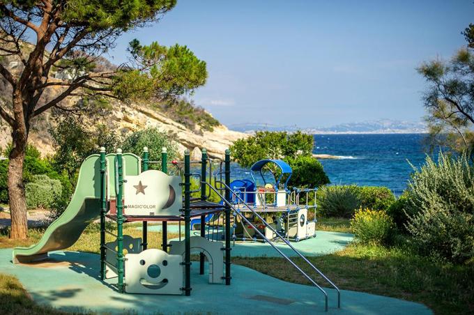 Resort thiên đường được chọn làm khu cách ly dịch Covid-19 - 9