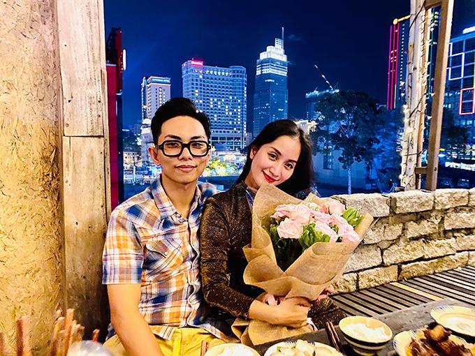 Vợ chồng Khánh Thi - Phan Hiển trong buổi hẹn hò trước lễ Tình nhân 2020.