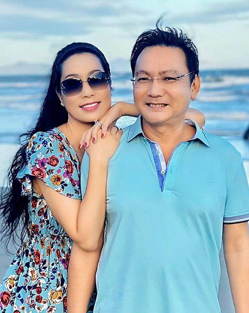 Dịp Valentine năm nay vợ chồng Trịnh Kim Chi đi du lịch biển. Á hậu tiết lộ, ông xã cô là người trầm tính, ít nói nhưng rất tinh tế, chu đáo với vợ con.