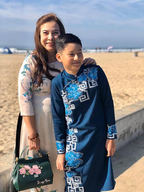 Tết Nguyên đán vừa qua, Bảo Nam về Mỹ thăm ông bà ngoại. Ở tuổi 12, nhóc tỳ trông trổ mã, sở hữu gương mặt điển trai.