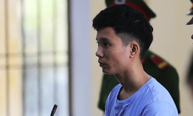 Lê Hữu Thế Vũ tại phiên tòa sơ thẩm mở sáng 19/2. Ảnh: Sơn Thủy.