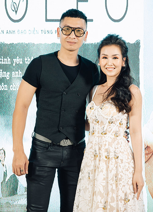Người mẫu Trần Trung đóng vai bạn trai Võ Hạ Trâm trong sản phẩm Nhà anh trên đỉnh cheo leo.