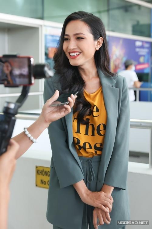 Đại diện Việt Nam được đánh giá cao về sắc vóc. Cô cao 1,72 m, số đo 87-56-90 cm.