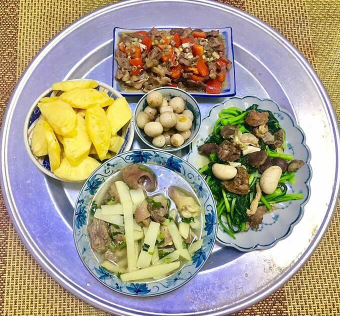 Mâm cơm người vợ ung thư nấu ăn hàng ngày cho chồng khiến chị em nể phục - Ảnh 7.