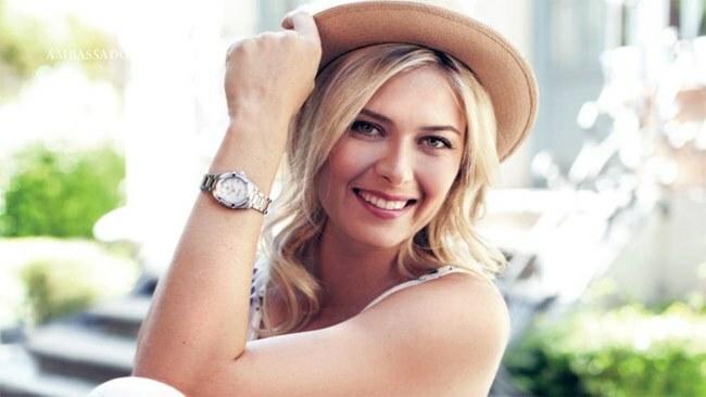 Búp bê Nga cũng nhanh nhạy trong việc kinh doanh, là gương mặt quảng cáo của nhiều nhãn hàng danh tiếng đồng thời mở công ty riêng về thời trang, sản xuất kẹo.