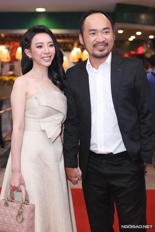 Là nữ chính của hai phần đầu phim Nắng (vai người mẹ thiểu năng tên Mưa), Thu Trang hết lòng cổ vũ êkíp Nắng 3 mang đến câu chuyện xúc động về tình cha con.