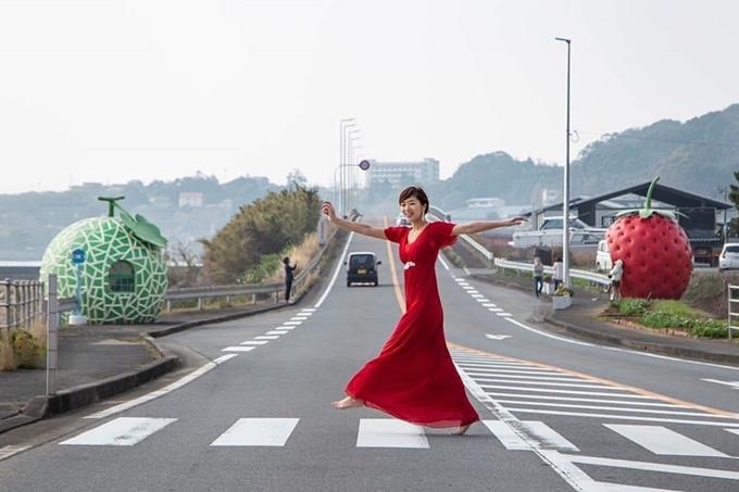 Sống ảo ngay nhà chờ xe buýt hoa quả tại Nhật Bản - ảnh 2