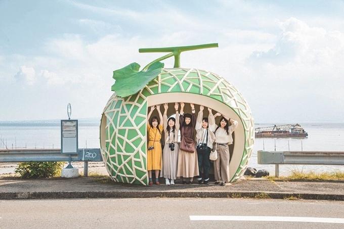 Sống ảo ngay nhà chờ xe buýt hoa quả tại Nhật Bản - ảnh 6