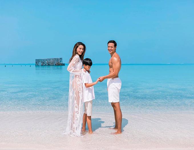 Với nữ ca sĩ, chuyến du lịch này đã giúp cô lưu giữ kỷ niệm rất đẹp. Subeo, con trai riêng của Hà Hồ và chồng cũ, rất thích thú khi được khám phá thiên nhiên tuyệt đẹp của Maldives.