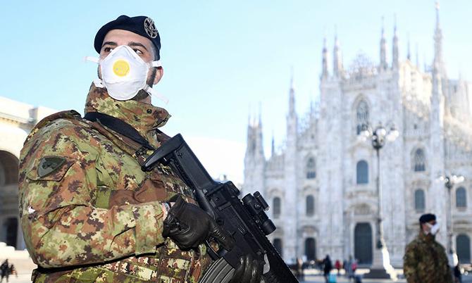 Quân đội và cảnh sát được lệnh chốt chặn tại các vị trí bị phong tỏa. Ảnh: BI.