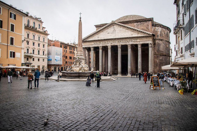 The Pantheon is another tourist attraction which is empty of visitors
