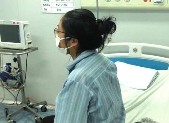 Bệnh nhân Nhung tại Bệnh viện bệnh Nhiệt đới Trung ương chiều 7/3. Ảnh: Bệnh viện cung cấp.