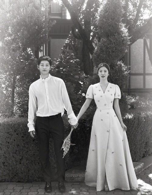 Vợ chồng Song Hye Kyo - Song Joong Ki.