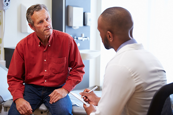 Người giàu Mỹ thường có bác sĩ riêng tại gia thay vì đến bệnh viện. Ảnh: Money Crashers.