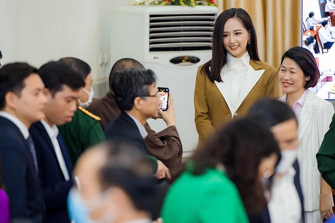 Hoa hậu Việt Nam 2006 ngoài đời rất thân thiện, dễ mến.